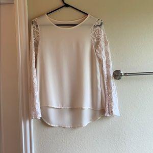 Tops - White bell sleeved blouse